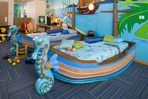 theme hotel virginia kidsuites at the holiday inn phuket resort phuket 12