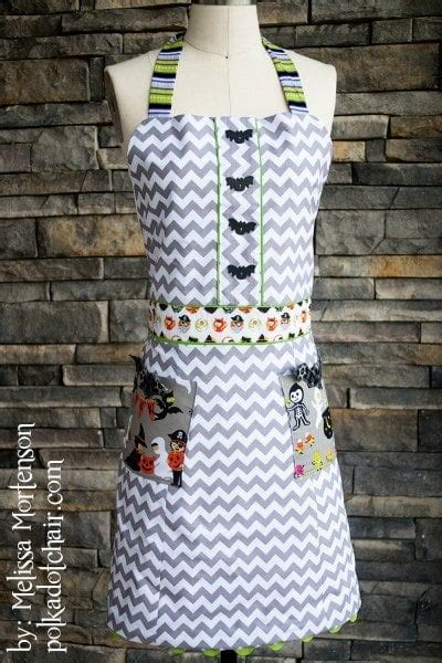 sewing pattern   apron  halloween