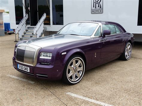 roll royce phantom coupe best of the rolls royce phantom coupe autonews