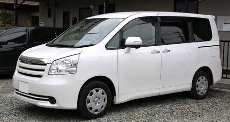 Toyota Naoh Toyota Noah