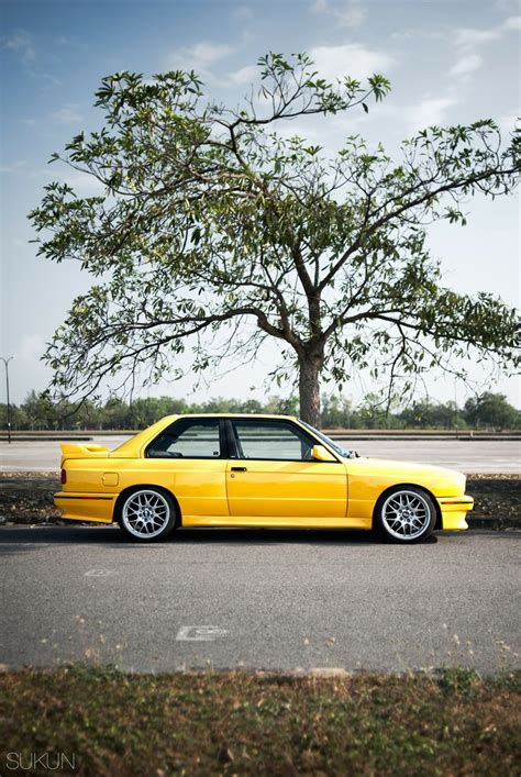 bmw vintage m3 bmw e30 m3 yellow 13 000 classic collector car pics