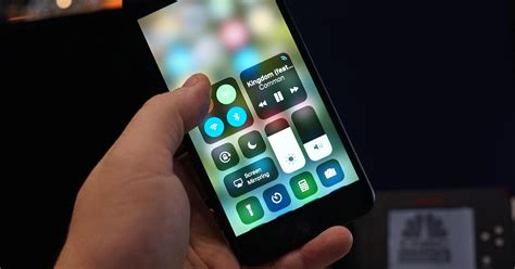 how to your to use a pad how to use center in ios 11 on and iphone
