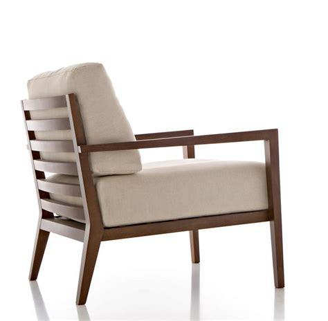 poltrone di legno poltrone in legno divani e letti modelli e consigli