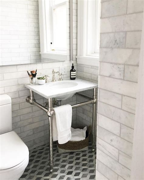 elegant small bathrooms 1000 ideas about small elegant bathroom on pinterest