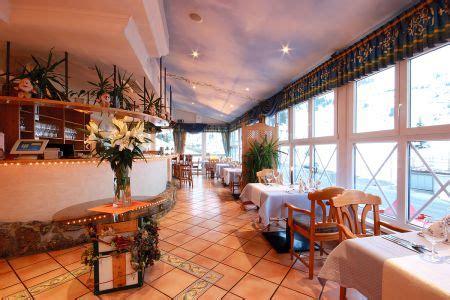 blauer und weißer speisesaal obertauern sporthotel 4 s snowwhite salzburg 214 sterreich
