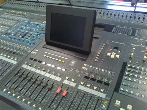 Mixer Yamaha Pm5d yamaha pm5d v2 image 360341 audiofanzine