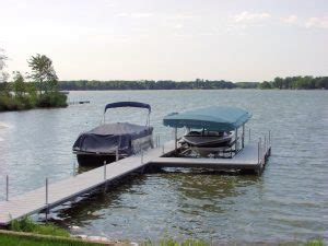 boat r mistakes 5 common mistakes you make when docking your boat v dock