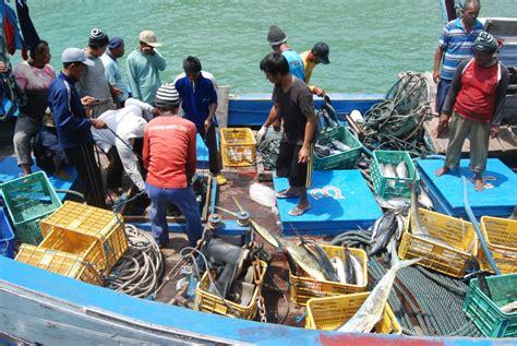 Undang Undang Ri Tentang Perikanan ruu nelayan masuk prioritas prolegnas 2016 tapi minus