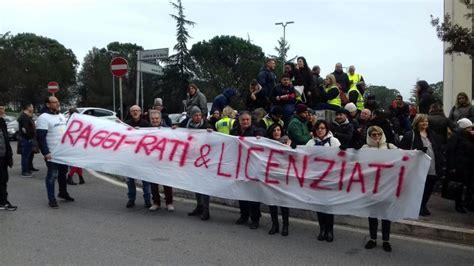 sede ama roma multiservizi dopo i licenziamenti la protesta sotto la