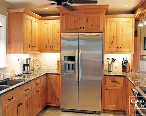 knotty wood kitchen cabinets best 25 knotty pine cabinets ideas on pinterest knotty