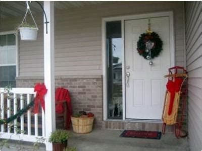 small front porch christmas decorating ideaschristmas holiday porch decorating pictures winter