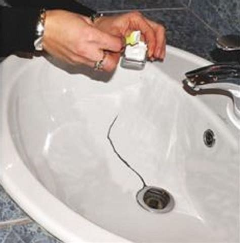 Chipped Bathtub Repair by Enamel Repair Kit Bath Sink Shower Tray Chip White