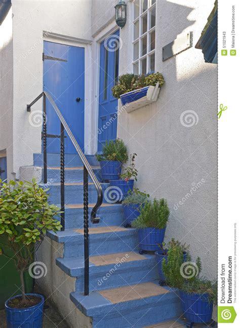 cottage steps stock photo image 51021943