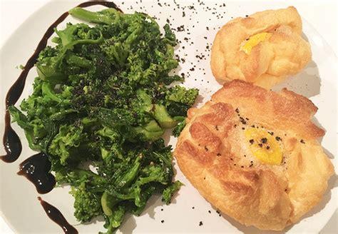 come cucinare le uova al forno uova al forno come prepararle ecco la ricetta light