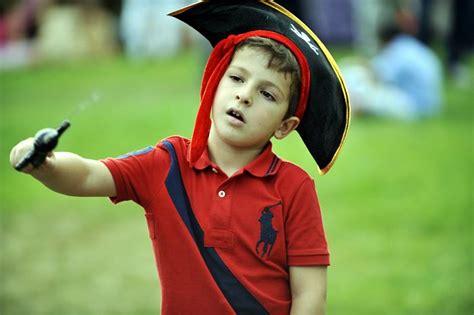 c mo hacer un disfraz de b ho manualidades para ni os c 243 mo hacer un disfraz infantil de pirata