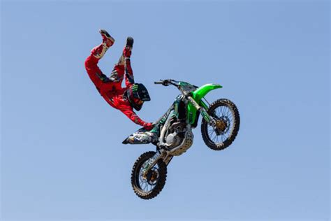 freestyle motocross tricks pro freestyle moto cross rider kris foster