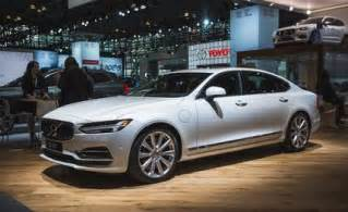Volvo Sedan 2018 Volvo S90 Stretches Out News Car And Driver
