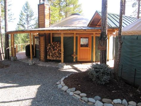 Luxury Yurt Homes Pin By Adam On Misc Cabin And Tree House Ideas Yurts Luxury Yurt And Porches