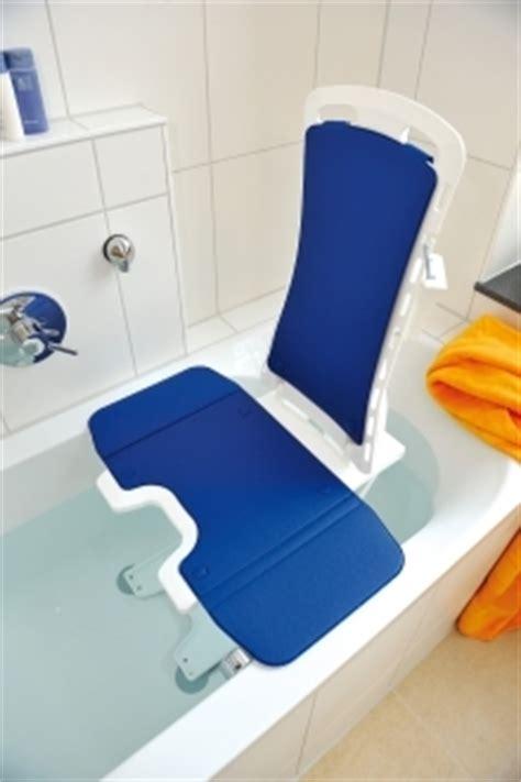 siege baignoire handicap comment choisir un si 232 ge 233 levateur de bain suivez le guide