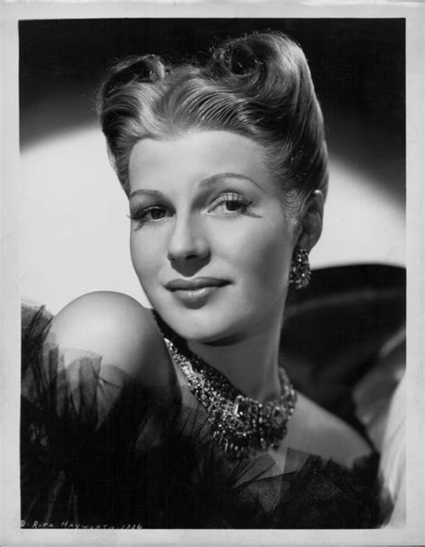 Victory Roll Hairstyle by The History Of Victory Rolls One Of The Most Iconic And