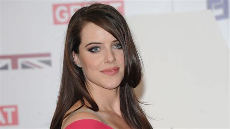 michelle ryan wallpapers images  pictures backgrounds