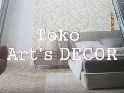 wallpaper motif garis vertikal wallpaper motif garis vertikal untuk kamar tidur sempit