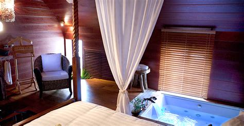 chambre d hotel a theme l indonesienne chambre avec
