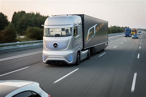 wallpaper mercedes benz future truck 2025 future cars