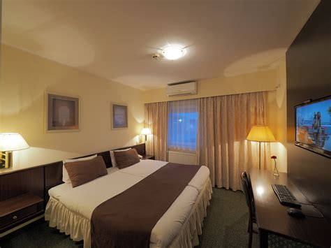 double king size bed hotel belgrade airport bed and breakfast double room