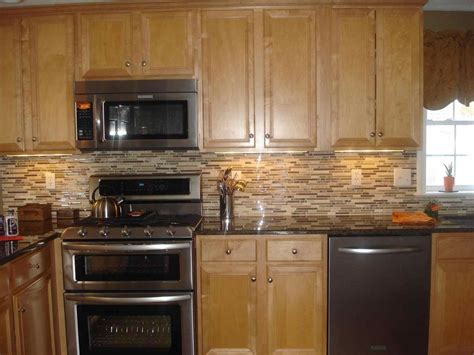 Light Oak Cabinets Dark Countertops Deductour Com Light Oak Kitchen Cabinets