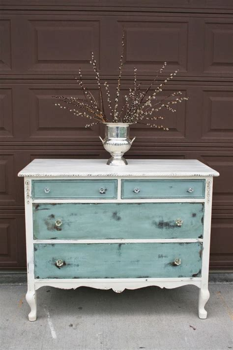 vintage bedroom dresser 25 best ideas about vintage dressers on pinterest mint