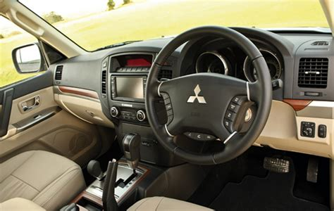 mitsubishi shogun interior mitsubishi shogun refreshingly fashioned the field
