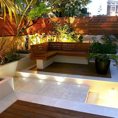 Patio Ideas For Small Gardens Uk 1000 Ideas About Small Garden Design On Small Gardens Contemporary Garden Design