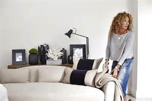 Home Interior Candles Join Kelly Hoppen S Christmas Masterclass And Create Your