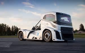 Truck Volvo Volvo Iron Truck Breaks Speed Records 0 100km H In