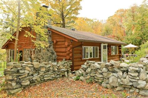 log cottage tiny home tour and log cabin in n y hgtv