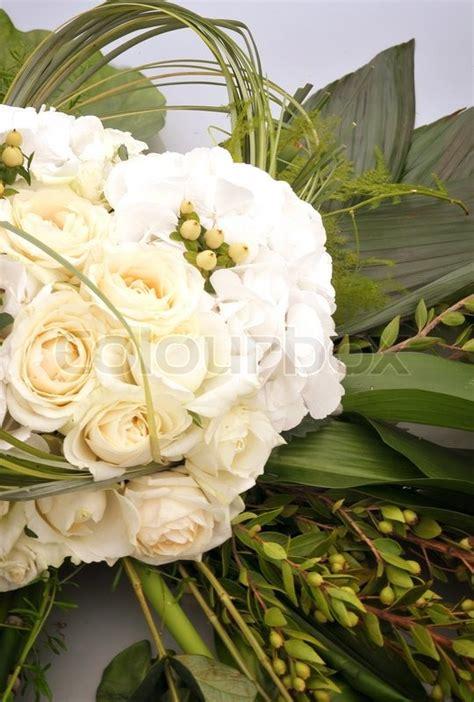 Hochzeitsdekoration Auto by Hochzeitsdekoration Blumen Auf Der Motorhaube Des Autos
