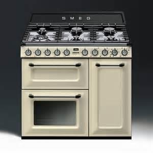 smeg appliances smeg victoria aesthetic dual fuel 90cm range cooker tr93p