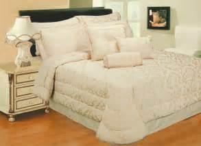 Cocoon antoinette gold bedspread king size 104 x 104