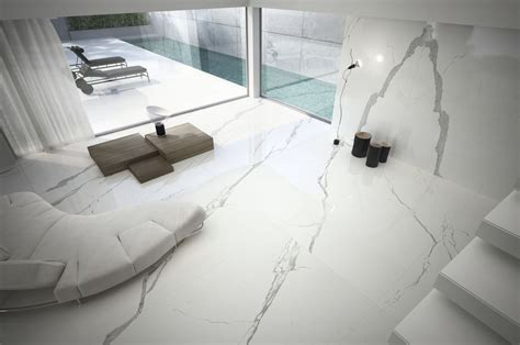 pavimenti marmo bianco grandi lastre in gres porcellanato effetto marmo