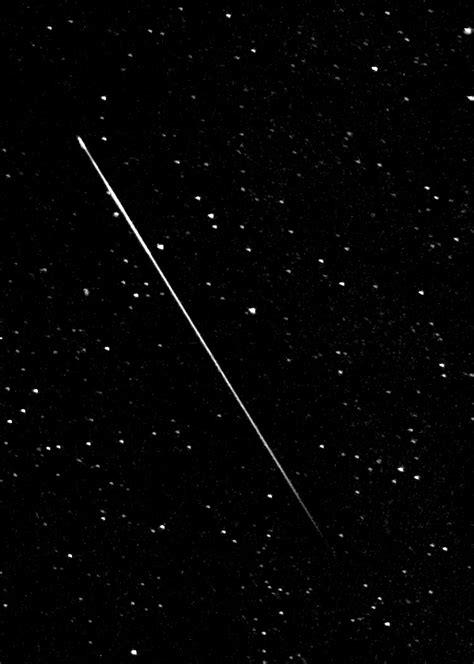 Meteor Shower In Wisconsin by File Perseid Meteor1 Jpg Wikimedia Commons