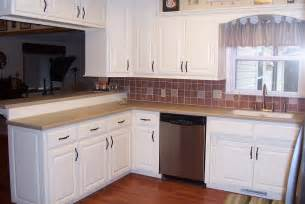 Decorating Ideas For Kitchens With White Cabinets by Modern Small White Kitchens Decoration Ideas