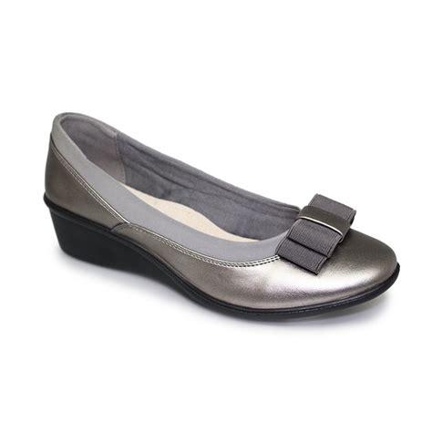 uk comfort shoes lunar deacon comfort shoe lunar from grs footwear uk