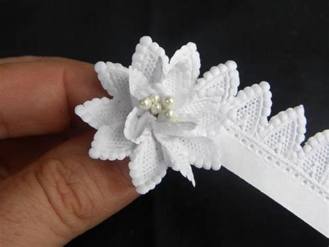 Paper Ribbon Flower - i m picturing this ribbon flower made with or