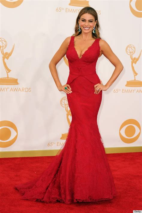 Dres Big Sofia sofia vergara s emmy dress matches the carpet photos