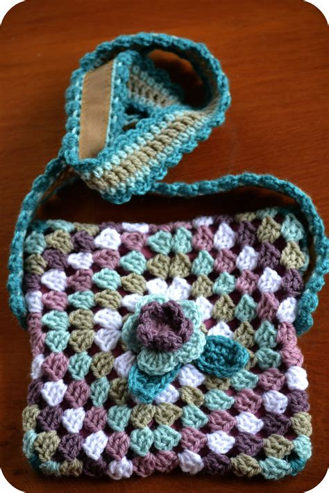 use this envelope purse free crochet pattern to create a a new tutorial crochet granny bag the green dragonfly