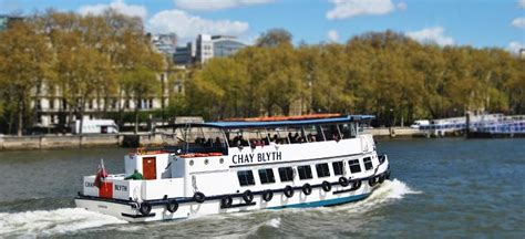 thames river cruise birthday party the river thames guide private party boats private