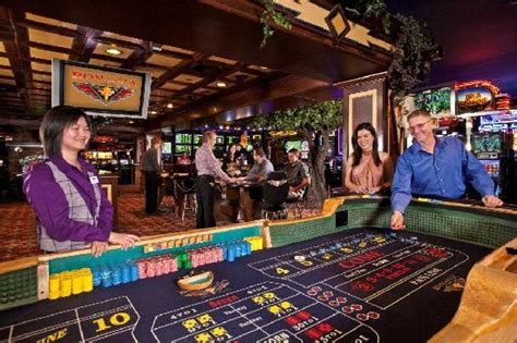 Table Reno Nv by Casino Craps Table Picture Of Bonanza Casino Reno