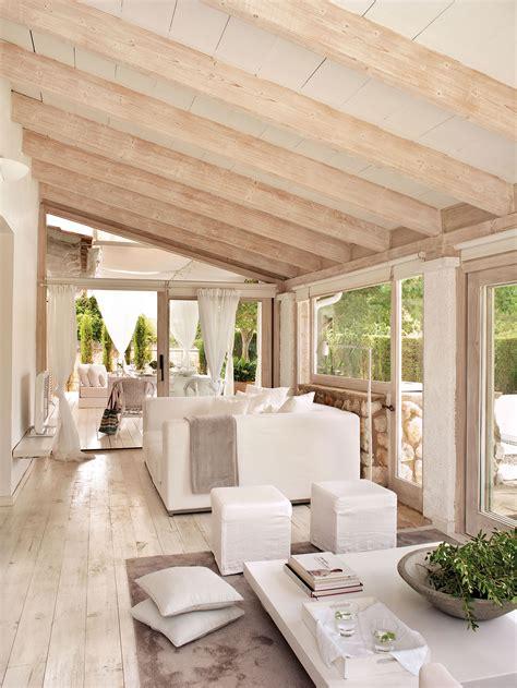 decorar jardines en blanco vigas decorativas c 243 mo integrarlas en la decoraci 243 n