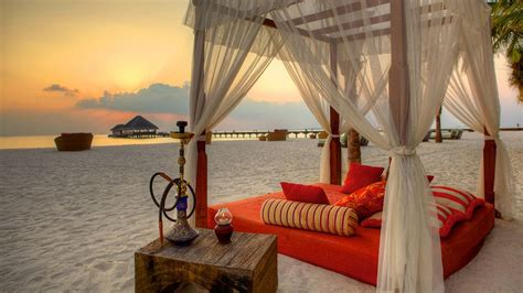 beach beds kanuhura lhaviyani atoll maldives